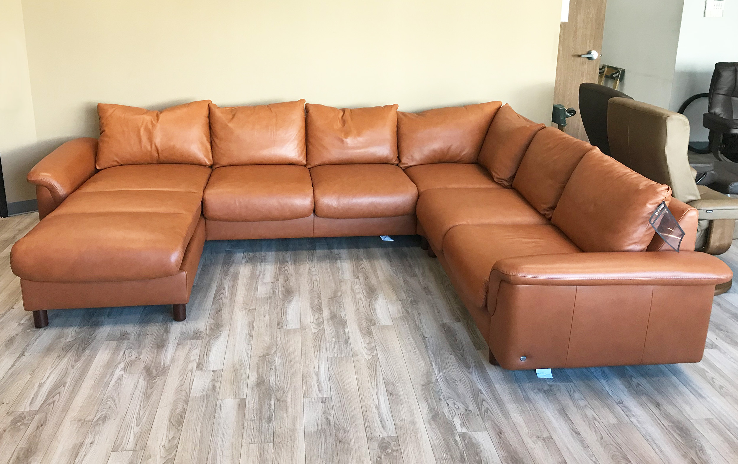Stressless E300 6 Seat Sectional Sofa with LongSeat in