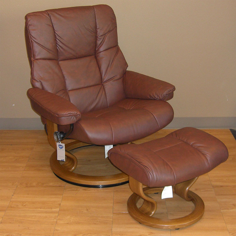 Stressless Kensington Paloma Cognac 094 41 Leather Recliner and Ottoman