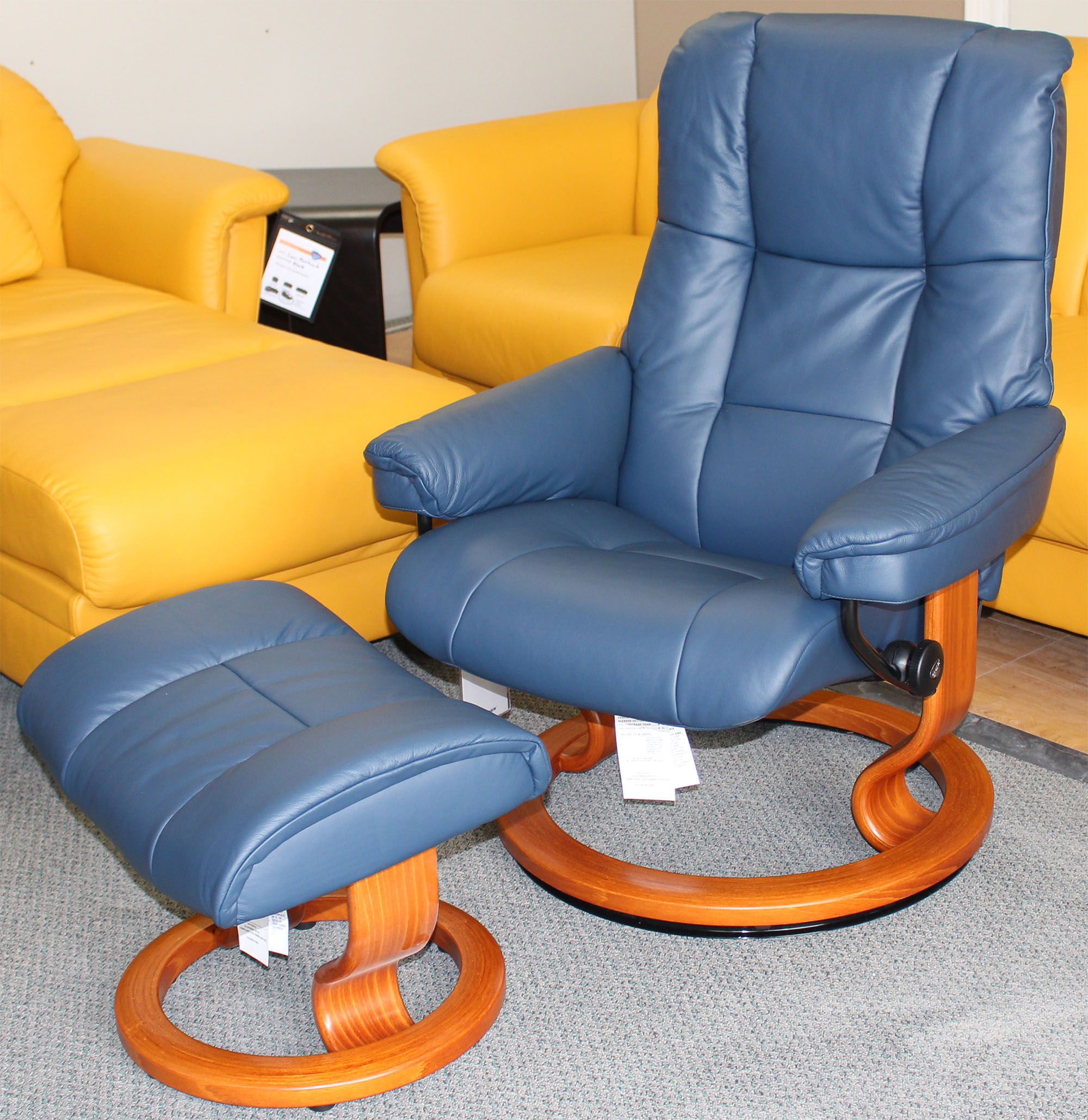 Fabulous Stressless Mayfair Paloma Oxford Blue Leather Recliner Chair And Ottoman By Ekornes Bralicious Painted Fabric Chair Ideas Braliciousco